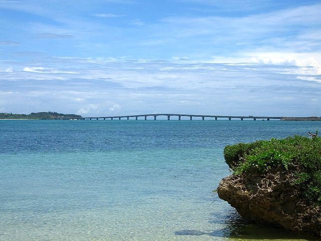 kouri-bridge-in-northern-okinawa