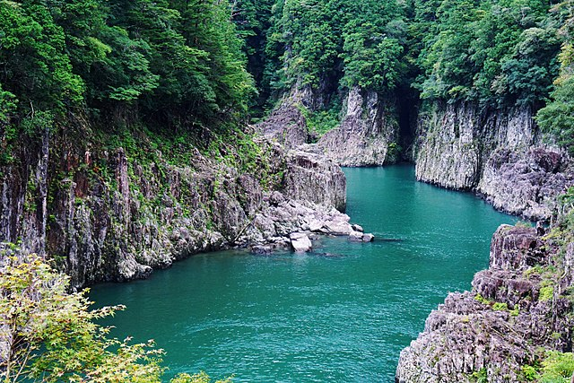 dorokyo-gorge-in-kumano-kodo-pilgrimage-routes